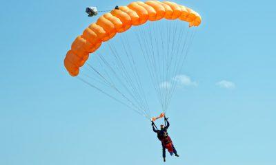 ¿Sabías que los paracaídas son más antiguos que los aviones?