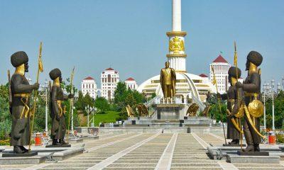 ¿Sabías que en Turkmenistán los autos negros son ilegales?