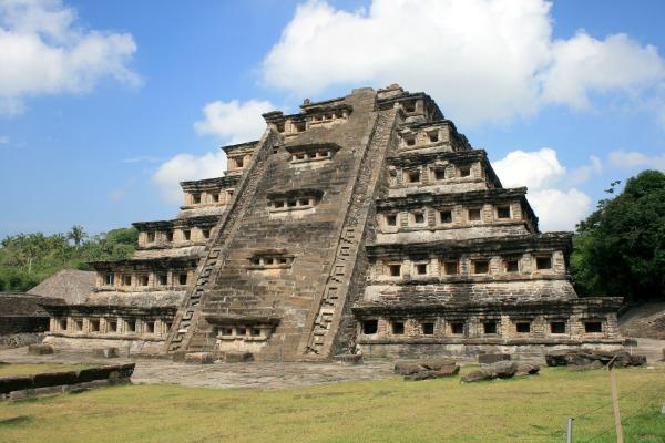 ¿Sabías que la pirámide más grande del mundo está en México?
