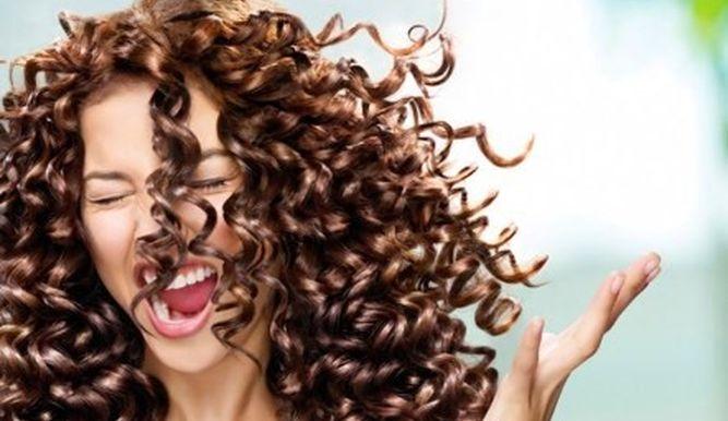 ¿Sabías que las mujeres tienen aparentemente más pelo que los hombres?