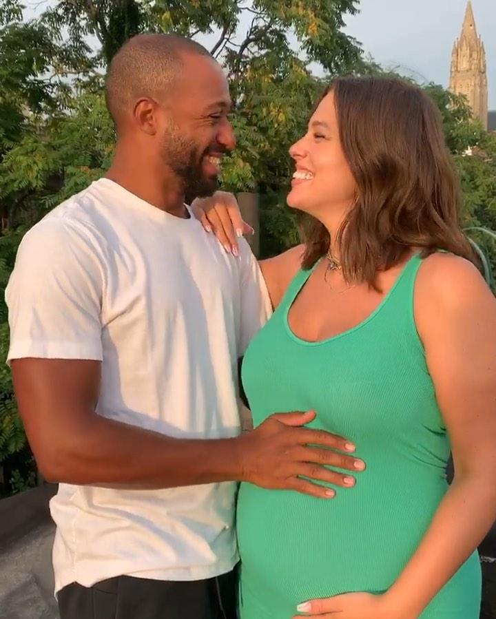 Ashley Graham está embarazada y nadie lo sabía