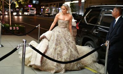 JLo paseó por Nueva York vestida de novia