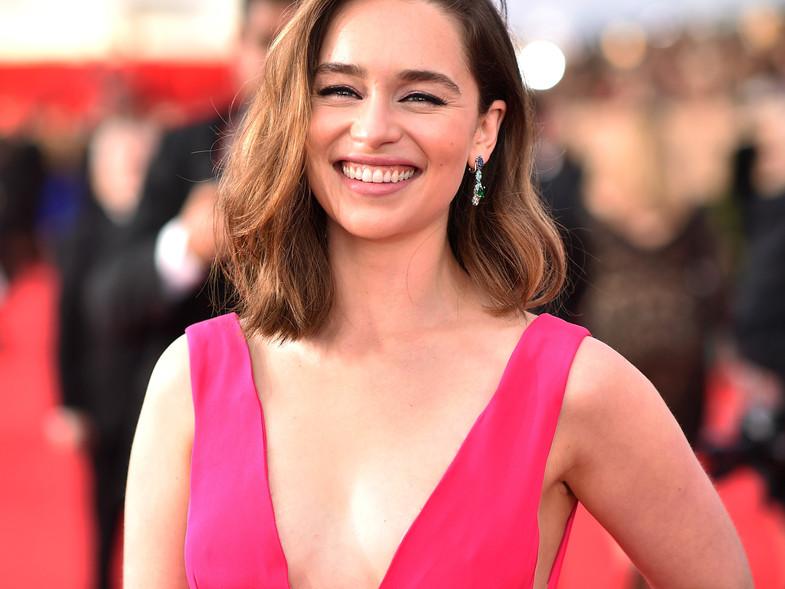 Emilia Clarke ya no se toma selfies con sus fans