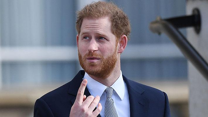 El Príncipe Harry llegó a Canadá para ver a su familia