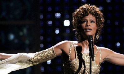 Whitney Houston regresa a través de un holograma