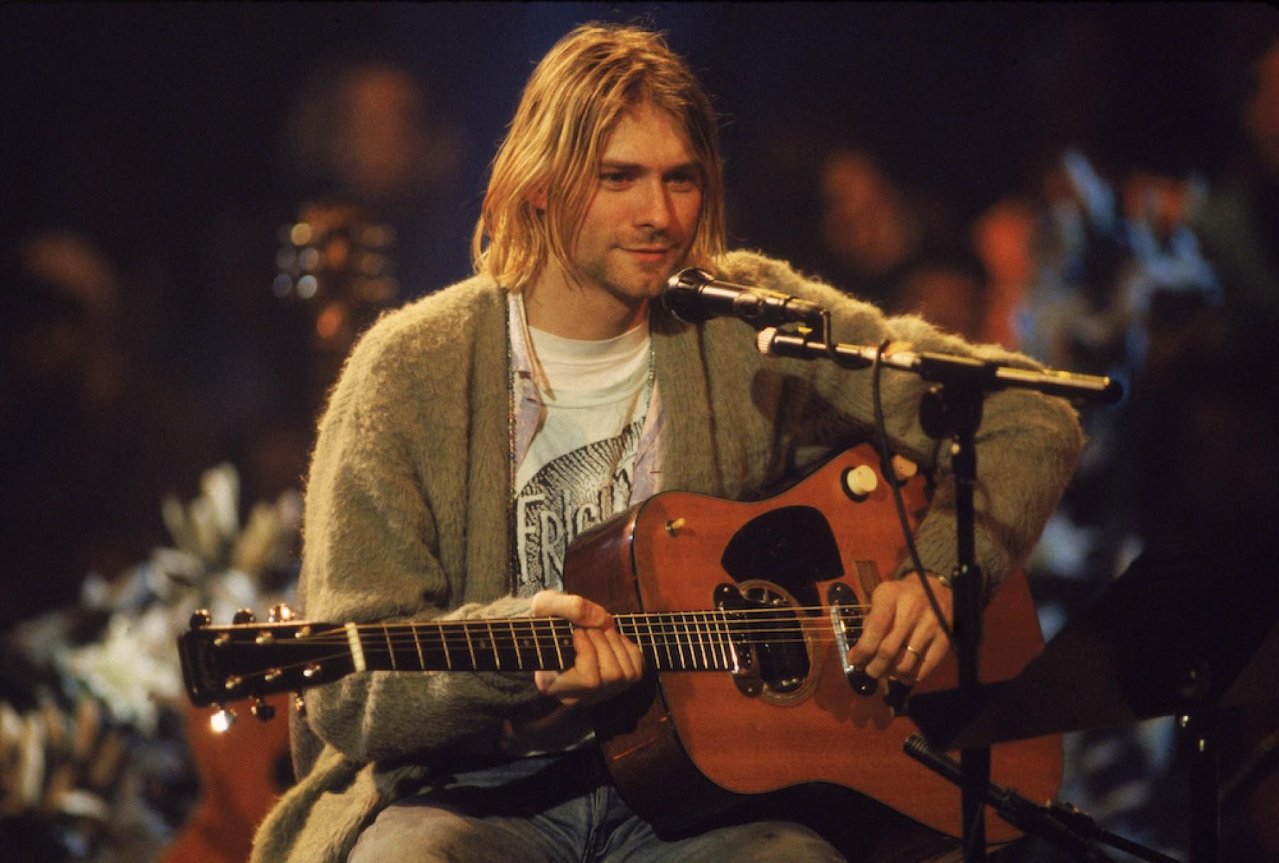 ¿Fanático de Nirvana? Se vendió guitarra de Kurt Cobain