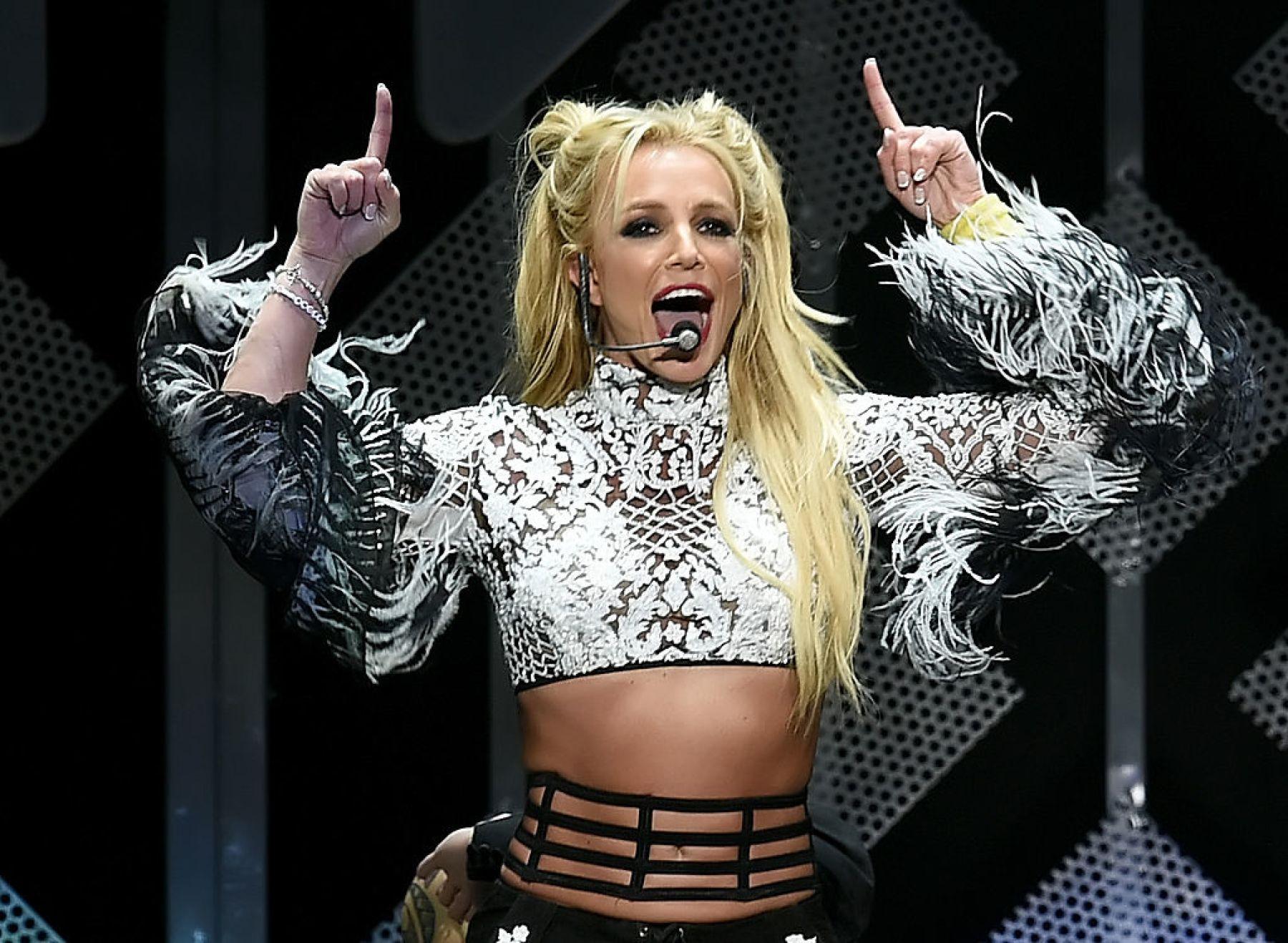 Britney Spears podrá contratar a sus abogados