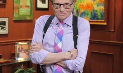 Larry King internado por Covid-19