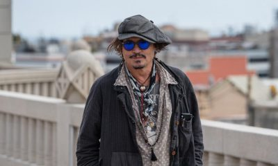 johnny-depp-en-la-premiere-de-el-fotografo-de-minamata-en-barcelona